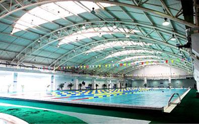楽沢遊泳館